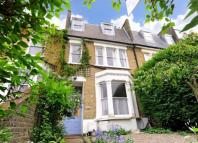 3 bedroom Flat in Upland Road...