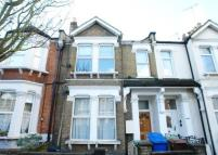 2 bedroom Flat for sale in Ivydale Road, Nunhead...
