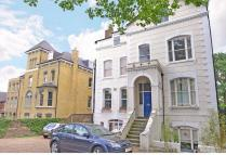Flat for sale in Grove Park, Camberwell...