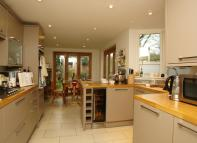 property to rent in Crewys Road, Nunhead...