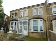 1 bed Flat to rent in Silvester Road...