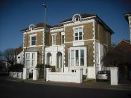 Flat to rent in Clarendon Road, Southsea...