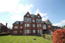 2 bedroom Apartment in Cheam Road, Epsom