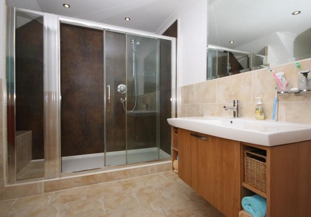 Ensuite Shower Ro...