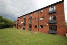 2 bedroom Flat in Rowlands Close...