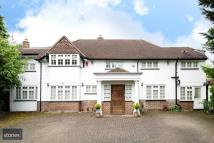 5 bed Detached house in Oak Tree Close, Stanmore