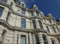 2 bedroom Apartment to rent in Castle Hill Avenue...