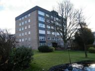 2 bedroom Flat in Lennox Court...