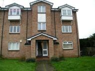 Flat to rent in Chapelcross Avenue...