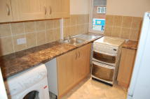2 bed Flat to rent in Red Lion Street...