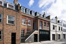 4 bedroom Flat to rent in Weymouth Mews, London