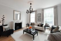 Terraced property in Park Road, London