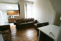Maisonette in Roxburgh Place, Heaton...
