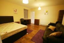 Apartment in North Bridge Street...