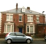 8 bedroom property in Heaton Hall Road...