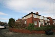 2 bedroom Flat to rent in Birchwood Avenue...