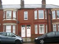 Flat to rent in Alverthorpe Street, ...