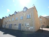 Town House to rent in Albert Road, STAMFORD