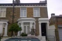 3 bedroom Apartment in Oswyth Road, Camberwell...