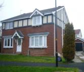 3 bed semi detached home in Heather Way, Harrogate