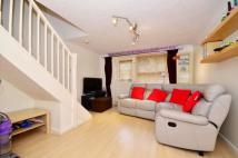 2 bed property in Founder Close, Beckton...