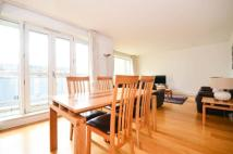 Canary Riverside Flat to rent