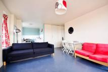 Flat to rent in Camdenhurst Street...
