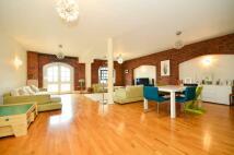 3 bedroom Flat in Great Jubilee Wharf...