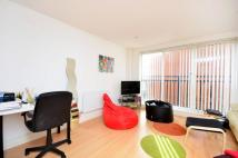 Flat to rent in Westferry Point...