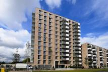 2 bedroom Flat to rent in Waterside Park...