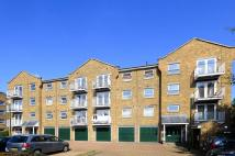 Flat to rent in Millennium Drive...
