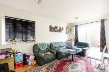 2 bedroom property in Teal Close, Canning Town...