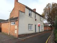 Flat to rent in Wigston Road, Leicester...