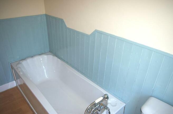 Bath with Handshower