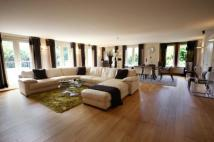 3 bedroom Flat for sale in South Downs Road, Bowdon...