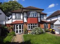 6 bed Detached property in Oakhurst Gardens, LONDON