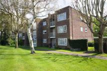 2 bed Ground Flat in Malcolm Way, LONDON