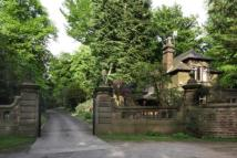 4 bed Detached property in Moorfield, Glossop...
