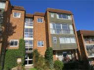 Apartment to rent in West Mount, Guildford...