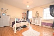 4 bed Terraced home in College Approach...