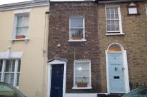 2 bed Terraced house in Circus Street...