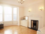 Flat to rent in Cornford Grove, Balham