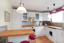 Maisonette to rent in Hardel Walk, Tulse Hill