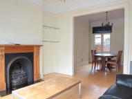 4 bed Terraced house to rent in Ballater Road, Brixton