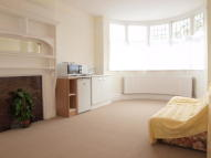 Studio apartment in Drewstead Road...