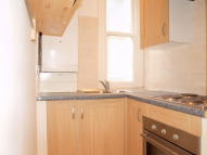 Studio flat to rent in Gubyon Avenue, Herne Hill