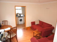 3 bed Flat to rent in Tooting Bec Road...