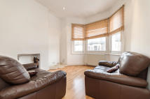 Flat to rent in Leander Road, Brixton