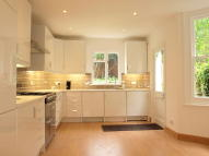 4 bedroom Terraced property to rent in Helix Road, Brixton