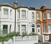 4 bed Terraced house to rent in Rosebery Road, Brixton
